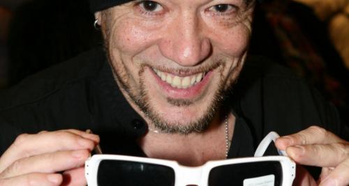 Pascal OBISPO s offre les lunettes de POLNAREFF af44f9876123