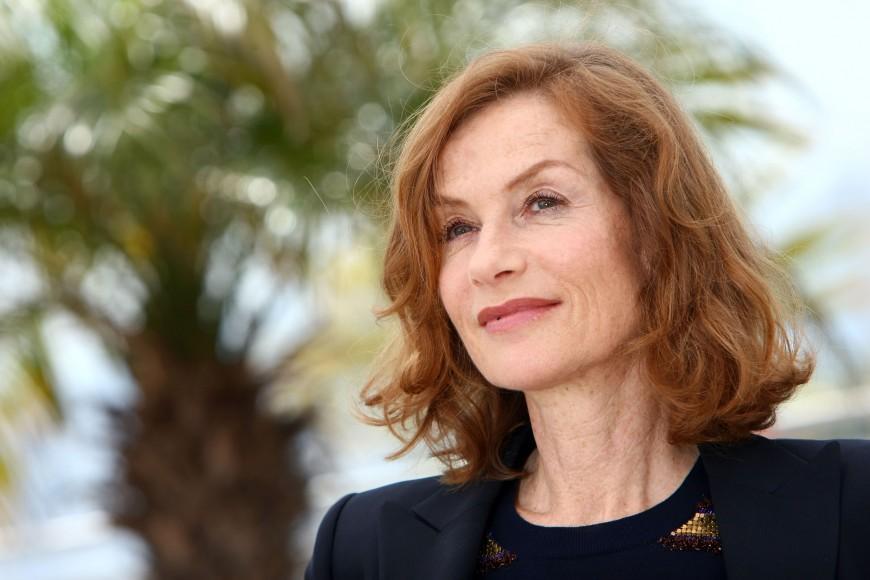 Isabelle Huppert profite après l'excitation des Oscars et des Césars...