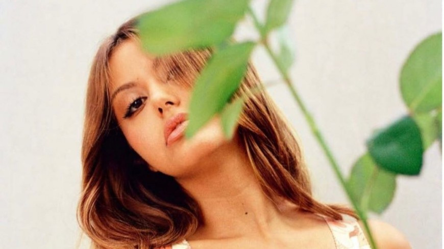 Zahia en pleurs : ce premier souvenir en France qu'elle n'oubliera jamais