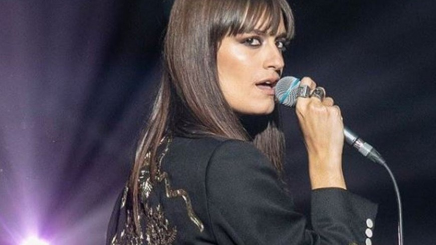 """Clara Luciani choisit """"La baie"""" comme nouveau single !"""