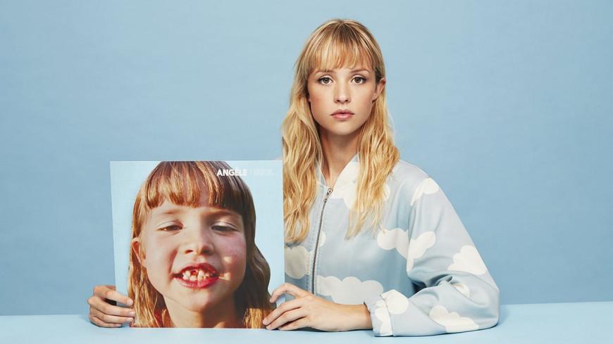 Selon Forbes, Angèle est l'une des jeunes artistes européennes les plus influentes