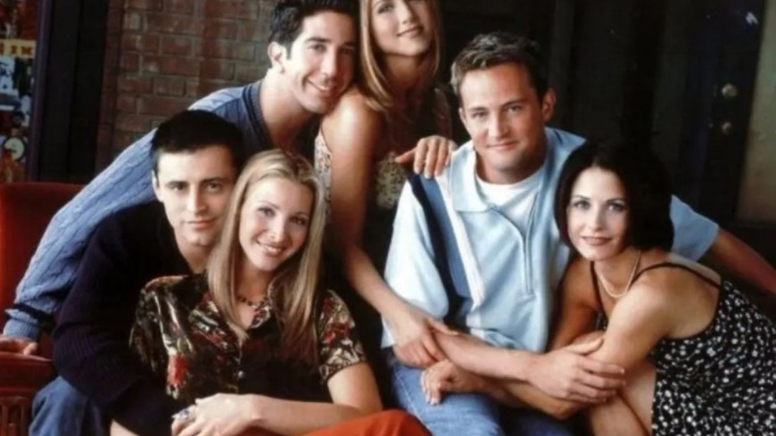 La créatrice s'excuse du manque de diversité dans la série culte — Friends