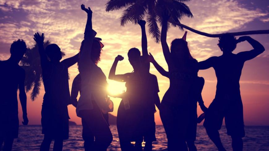 Vitaa et Slimane, M Pokora, Angèle, découvrez la playlist de l'été de M Radio !