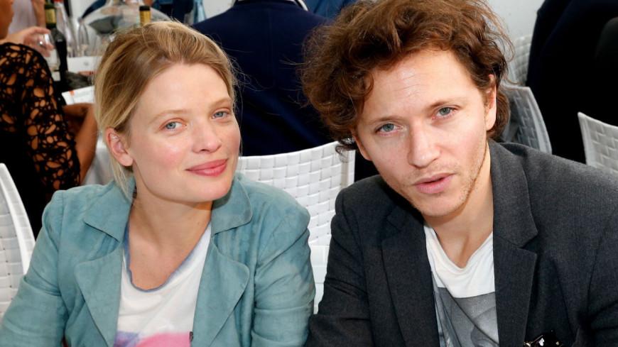 Raphaël se confie sur son amour pour Mélanie Thierry