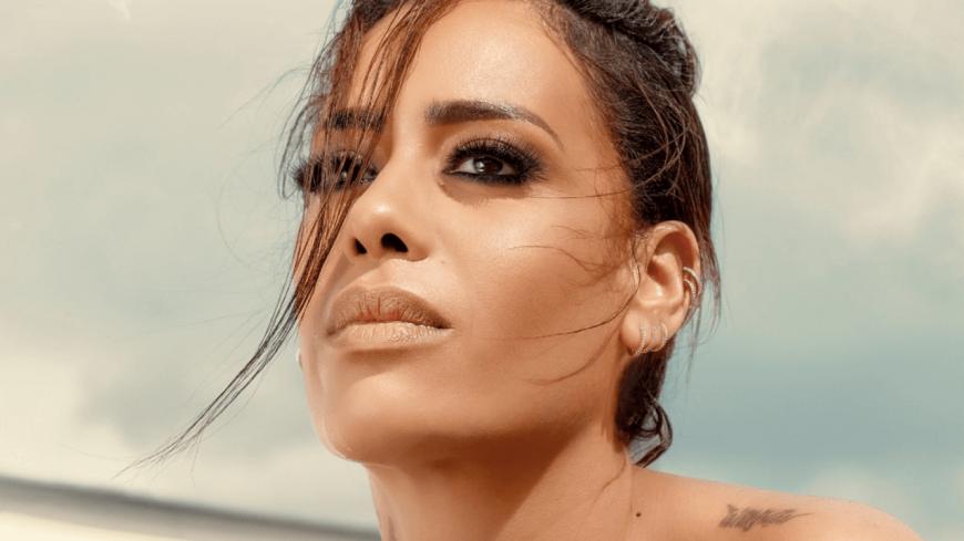 """Amel Bent : découvrez le tracklisting de """"Vivante"""""""