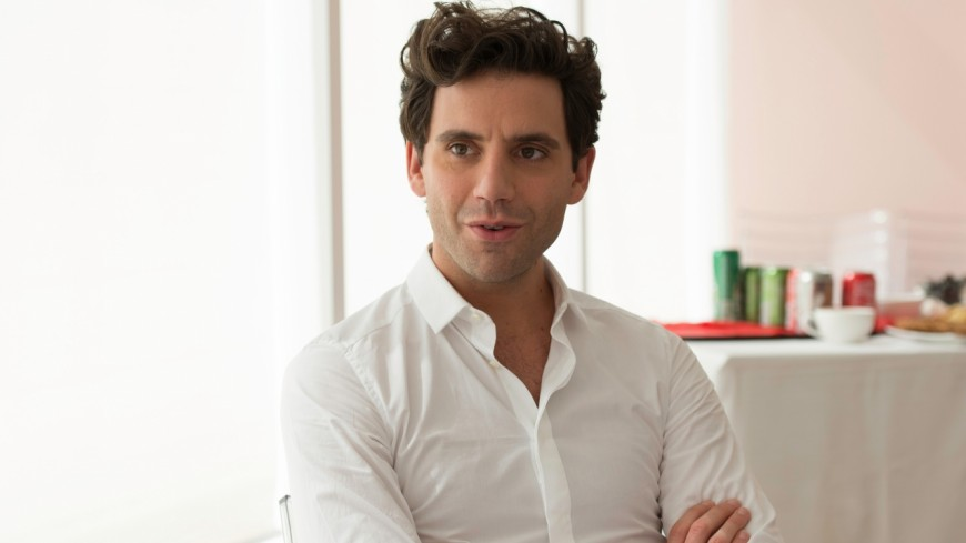 Mika : complice avec son chéri à Roland-Garros