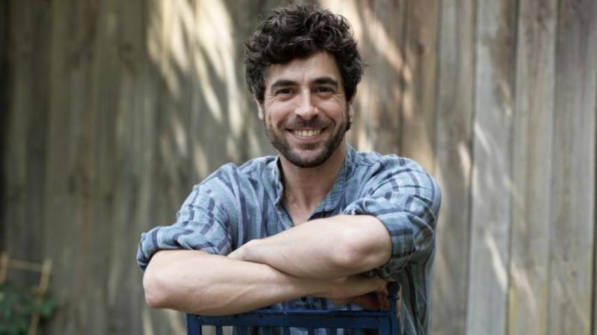 Agustín Galiana se lance dans la chanson