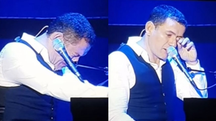 Mort de Johnny Hallyday : Dany Boon fond en larmes sur scène