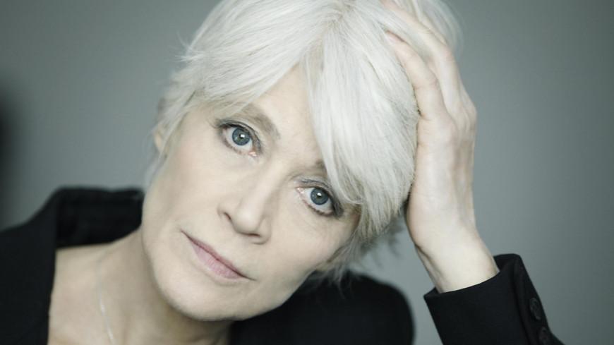 Françoise Hardy, coupée du monde