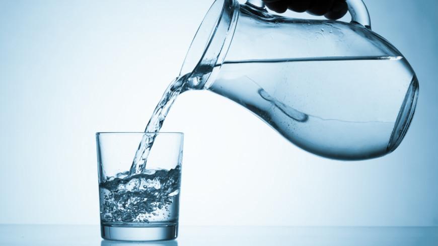 Les 5 conséquences de boire 1 litre d'eau par jour