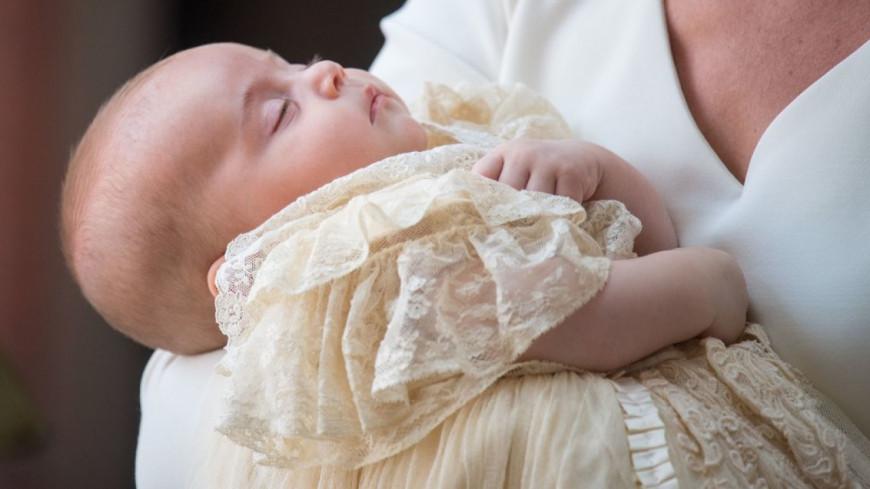 La famille royale dévoile des photos du baptême du prince Louis