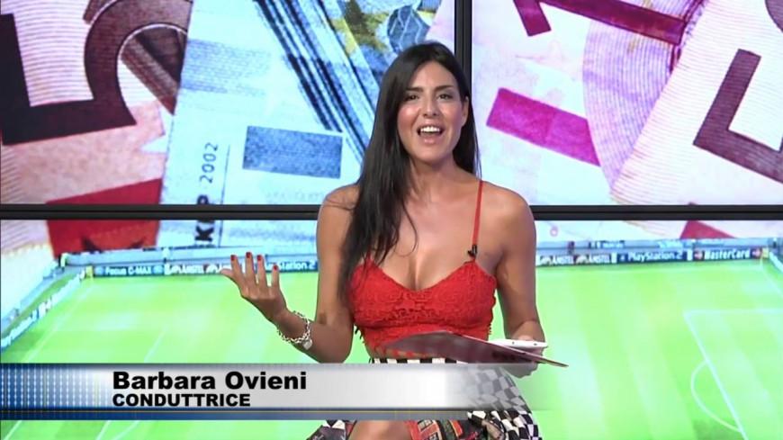(Vidéo) Problème de robe en direct à la télé italienne.