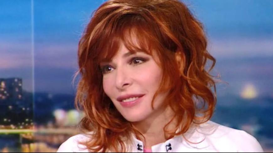 Mylène Farmer tease son nouveau single