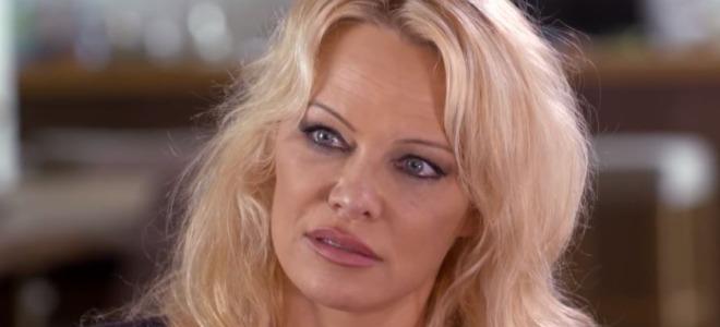 "Adil Rami infidèle avec Pamela Anderson : La star est ""dévastée"""