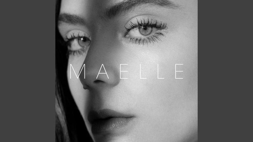 """Découvrez le nouveau clip de Maëlle - """"Le Pianiste des Gares"""""""
