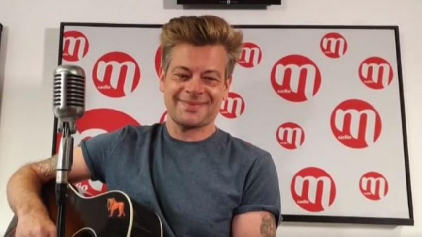 """Benjamin Biolay a interprété en live """"Comment Est Ta Peine"""""""