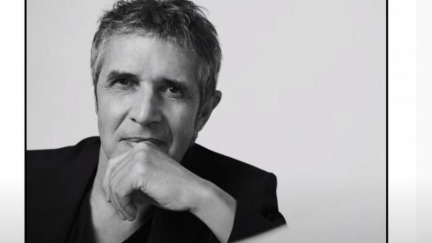 """Julien Clerc nous emmène dans """"Mon refuge"""""""