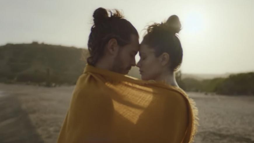 """Flo Delavega présente son clip """"Nous deux"""""""