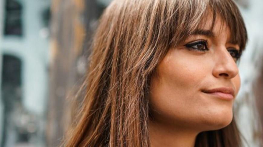 "Clara Luciani chante ""Le Reste"" en direct sur M Radio !"