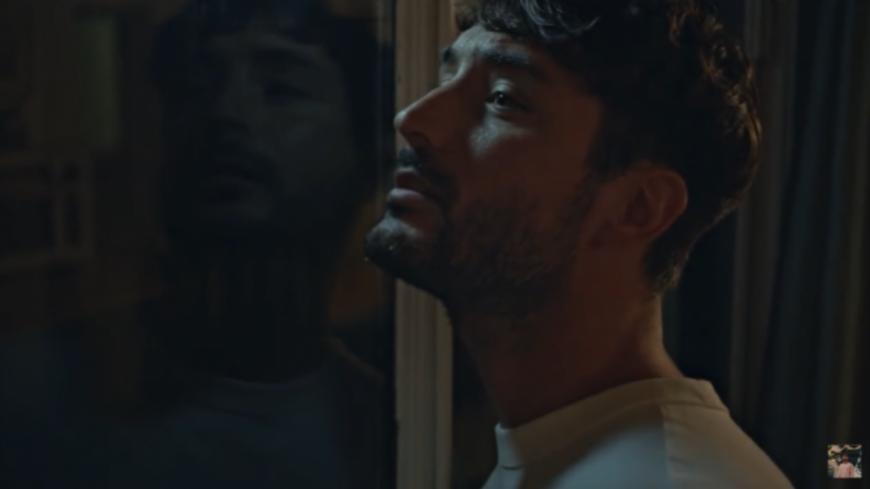 """Jérémy Frérot chante """"Un Homme"""" en direct sur M Radio"""