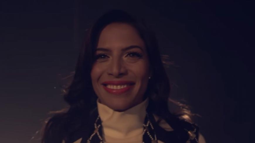 Zaho lève le voile sur le clip de « Comme tous les soirs ».