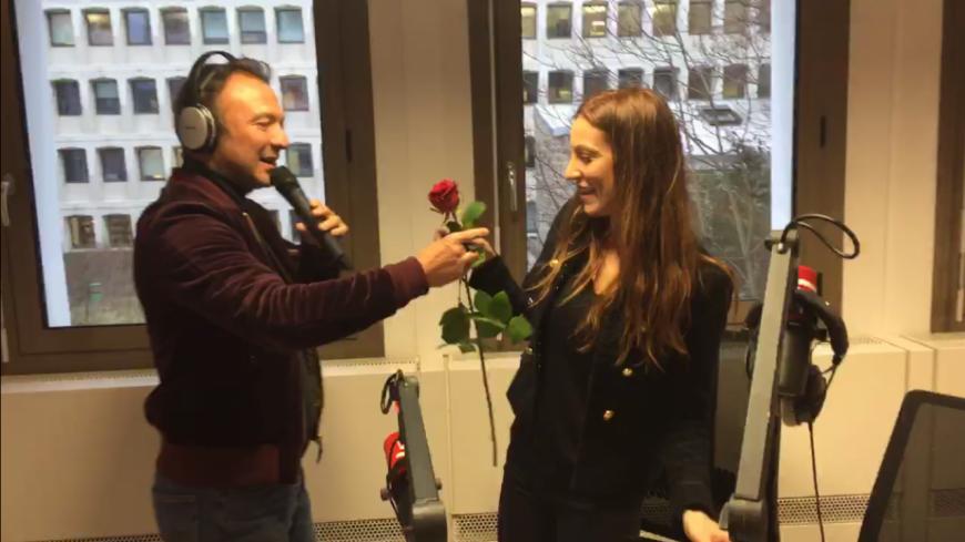 Pour le 08 mars Alexandre Devoise voit la vie en rose